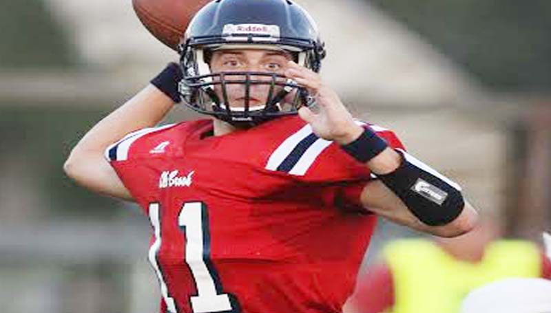 DAILY LEADER / JONATHON ALFORD / Brookhaven's Jon-Mark Mathis (11) receives the starting job at the quarterback position Friday against the Bulldogs.