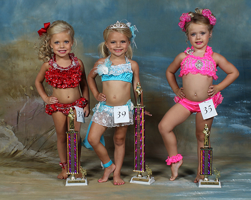 Four year old winners were Maylee Herrington, first place, daughter of Trey and Heidi Herrington; Kenslie Carter, second place, daughter of Matt and Callie Carter; and Ava Caroline Case - daughter of Jennifer Case and James Case.