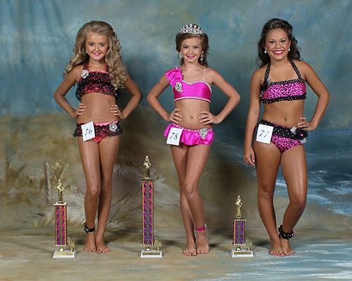 Eleven to 12 year old winners were Rainie Elizabeth Welch, first place, daughter of Ricky and Paula Welch; Madeline Grace King, second place, daughter of Owen and Beth King; and Emalyn Noel Langley, third place, daughter of Rachel Langley and Marty and Jessica Langley.