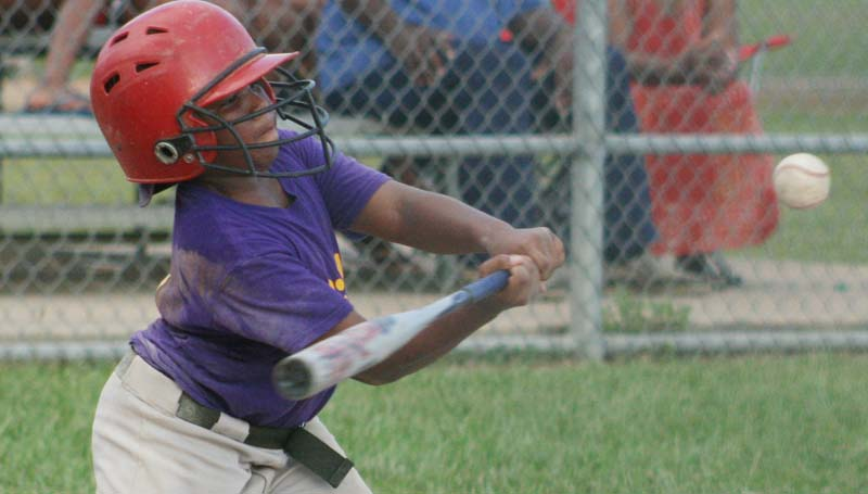 DAILY LEADER / Quin'tarius Catchings collects a hit for William Mortuary.