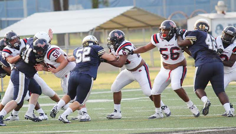 DAILY LEADER / APRIL CLOPTON / Brookhaven's offensive linemen show off their blocking skills in scrimmage action against Pearl.