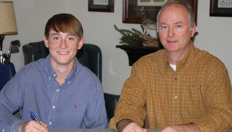 Co-Lin Media / Natalie Davis / Copiah-Lincoln Community College head golf coach Ronny Ross announces the signing of Germantown High School standout Zachary Smith (left) of Madison for the 2016-2017 season. Pictured with Zachary is his father Cameron Smith of Brookhaven.