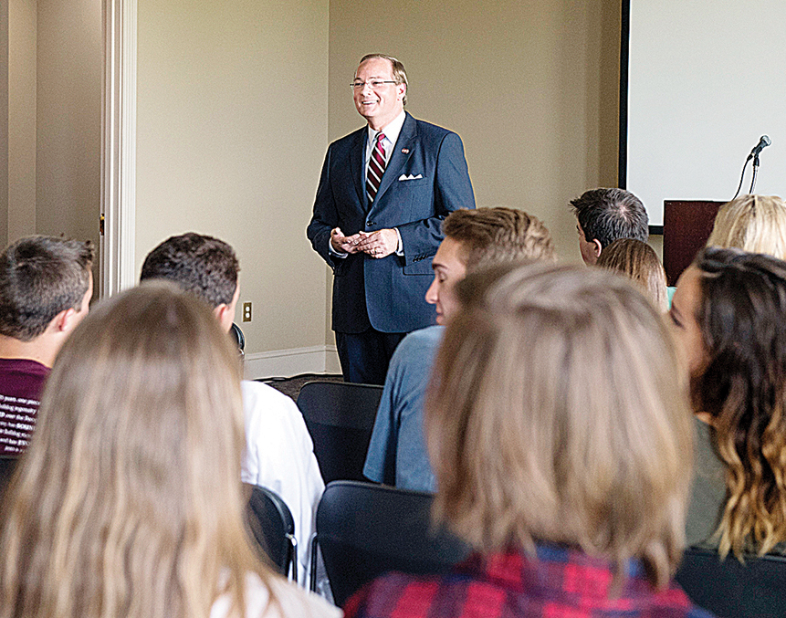 MSU President Mark E. Keenum speaking to visiting Brookhaven honor students.  (photo by Beth Wynn / © Mississippi State University)