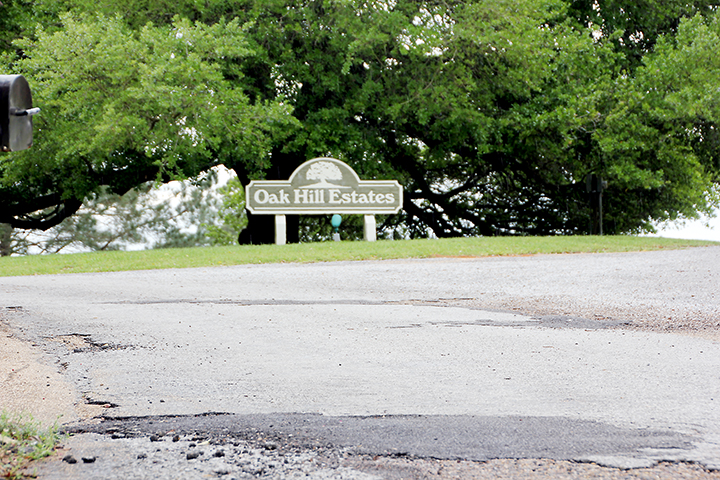Photo by Alex Jacks/The Brookhaven Board of Aldermen called a special work session last week to discuss the paving and dedication of the roads and the installation of water lines in Oak Hill Estates with the residents of the subdivision.
